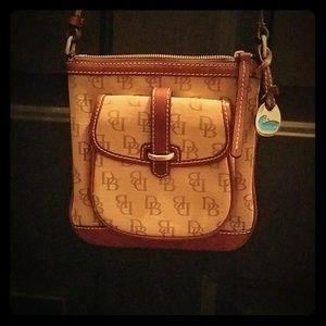 Dooney & Bourke cross body purse